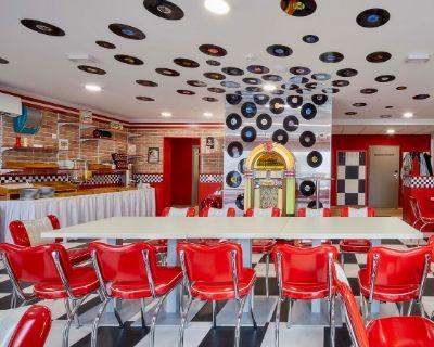 Jukebox Hotel plně využil výrobků Rigips